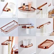 Cum sa folosesti intr-un mod optim accesorii de baie?