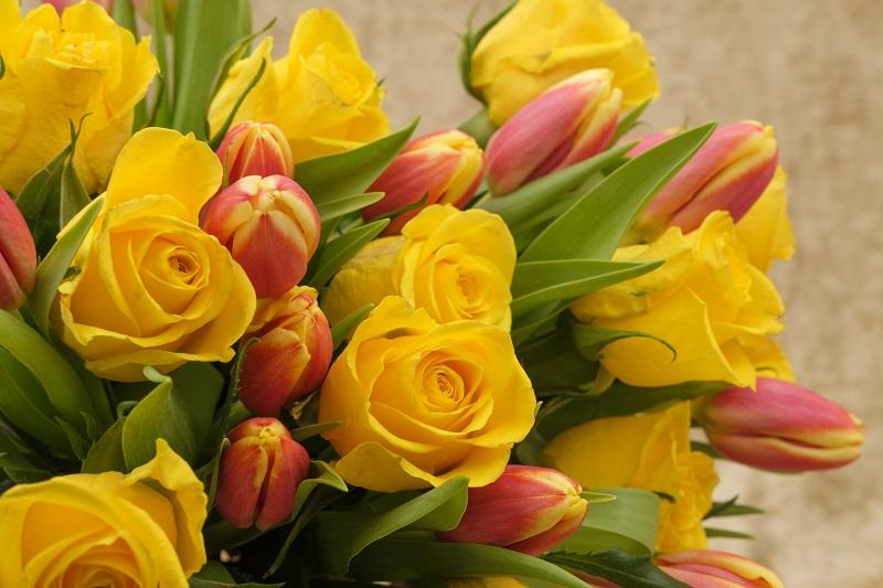 8 ocazii in care sa oferi buchete de flori. Rasfata-i pe cei dragi cu daruri florale deosebite!
